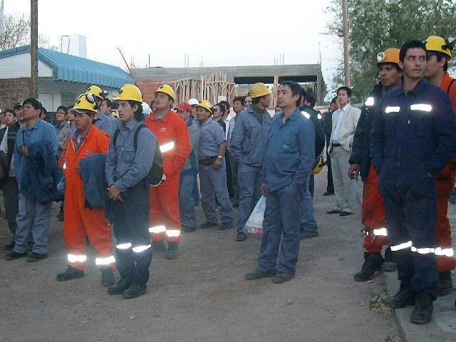 Minera de Sierra Grande plantea despidos por sus grandes deudas y la baja del mineral