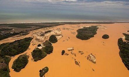 El lodo tóxico de la minera brasileña llega al mar