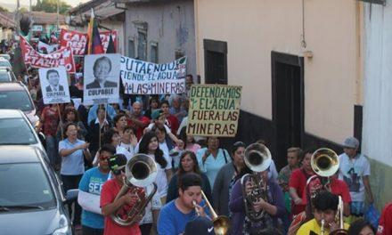 """""""¡Fuera Andes Copper de Putaendo!"""": Miles de personas en primera """"Marcha x la Vida"""""""