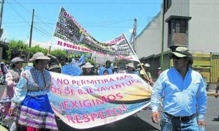 Pobladores de Tapay amenazan con huelga indefinida contra minería