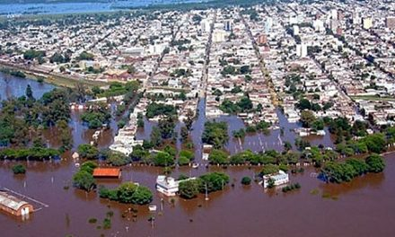 Inundaciones: arroceras y forestaciones agravan la situación del incremento de cuerpos de agua en Corrientes