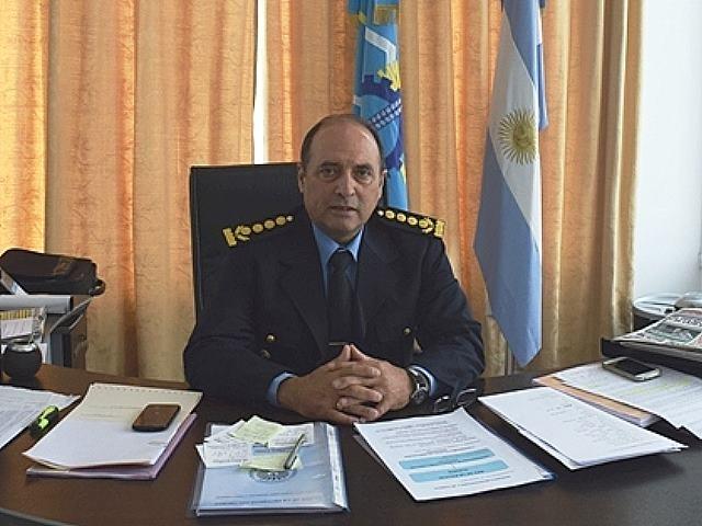 Policía de Chubut con «Grupos especiales de choque» para contener movilizaciones y enfocada en los chicos con capucha