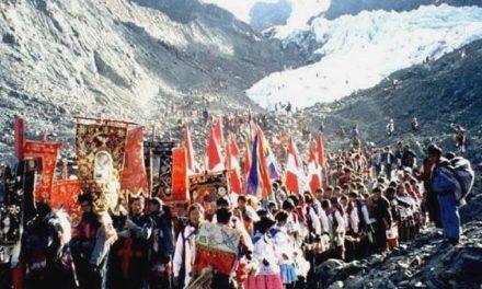 El señor de Qoyllorit'i moviliza al Cusco contra la minería