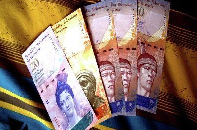 Venezuela lanza nuevas leyes minera, petroquímica y de impuestos