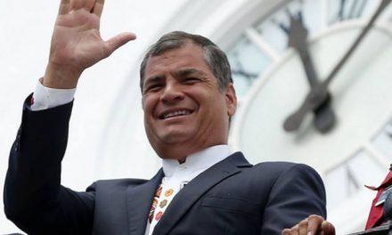 Presidente de Ecuador dice que la minería es clave para salir de la pobreza
