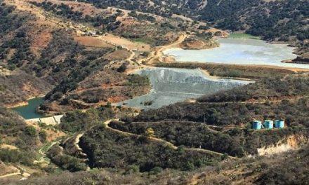 Presa de tóxicos de minera Endeavour Silver amenaza con cubrir comunidad en Guanajuato