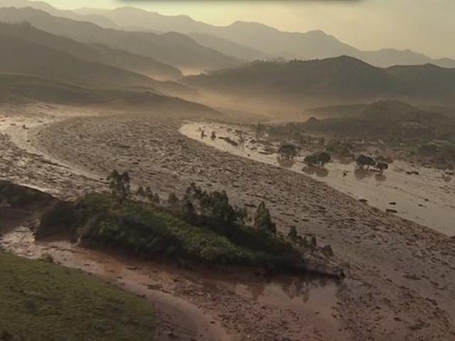 Mineras que matan un río