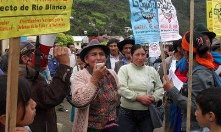 Defensoras de la Pachamama rechazan licencia ambiental del proyecto minero Río Blanco