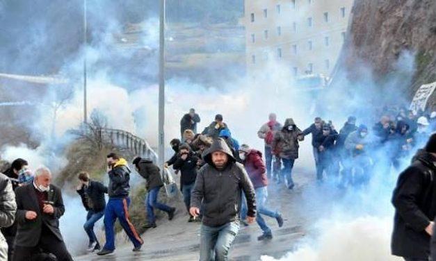Fuerzas de seguridad dispersan protesta contra mina de oro en Turquía