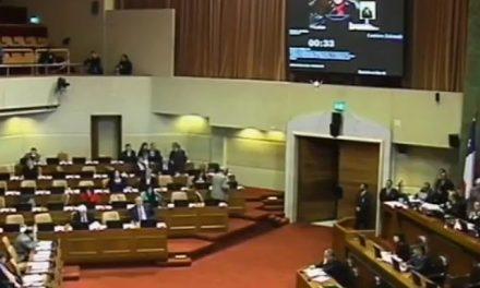 Ex senador chileno incluyó artículo redactado por empresa minera