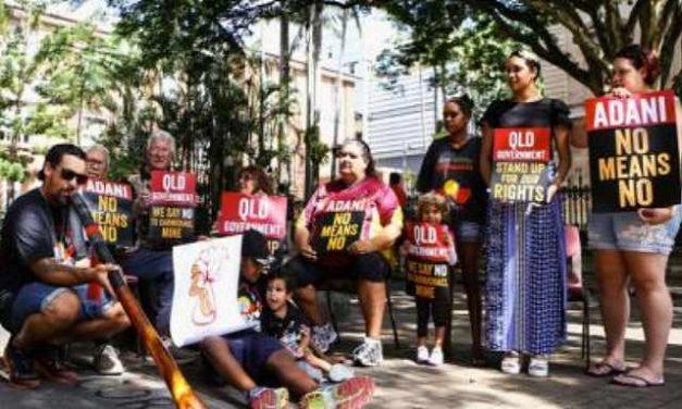 Manifestaciones contra la aprobación de la mayor mina de carbón en Australia