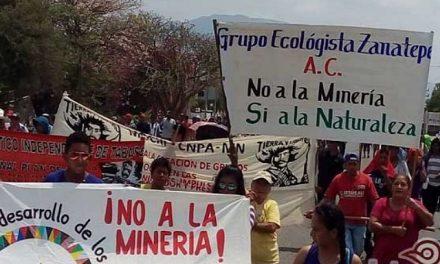 Organizaciones se manifiestan en contra de las mineras en Zanatepec