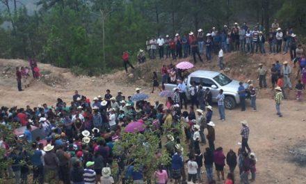 Pobladores ocupan el acceso a una mina en Copán