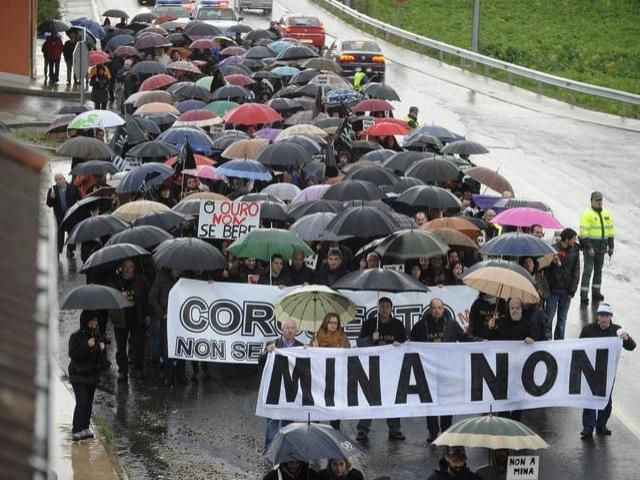 Salvemos Cabana reclama una investigación a fondo del caso de la mina de oro de Corcoesto