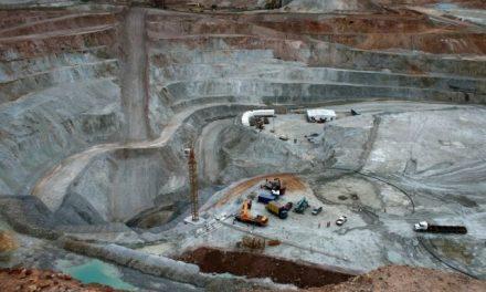 Paro de los obreros de Minera Triton por falta de medidas de seguridad