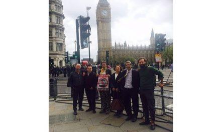 Opositores a Alto Maipo y Caimanes denunciaron a Luksic ante la junta de accionistas en Londres