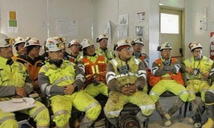 Paro contra los despidos en la mina de Goldcorp en Santa Cruz