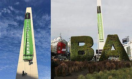 Protesta en el Obelisco de Buenos Aires contra la minera Barrick Gold