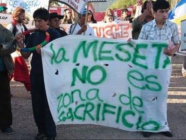 Revoleo de supuestos empleos y manoseo del agua para justificar la minería en Chubut