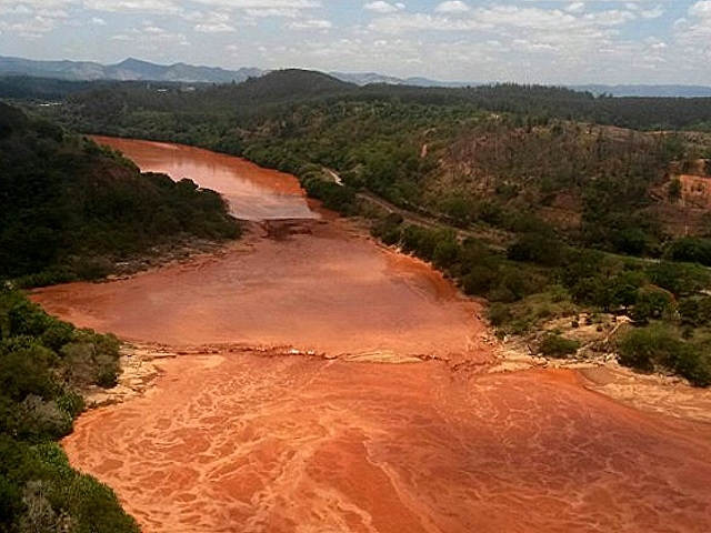 ONGs brasileñas denuncian ante CIDH pacto Gobierno-mineras para reparar desastre minero