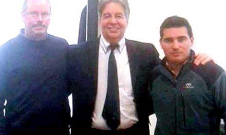Promineros ex-empleados de mineras se reunieron con el secretario de minería para articular una estrategia minera para Chubut
