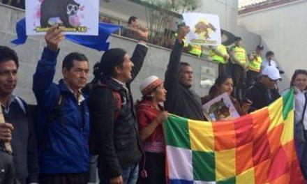 Representantes de comunidades indígenas exigen moratoria minera en Ecuador