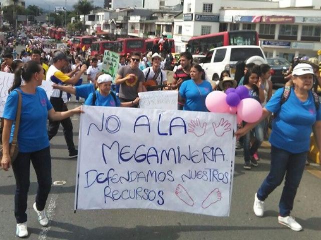 Miles de quindianos les dicen no a proyectos de minería