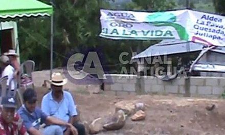 Campesinos bloquean paso de maquinaria de minera en Jutiapa