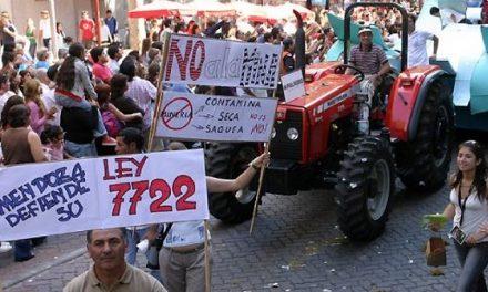 Macri presiona para que se instale la minería contaminante en Mendoza