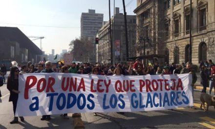 Gran presencia de territorios en marcha de rachazo a proyecto de ley glaciar de Bachelet