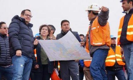 Ecuador de liquidacón: Impulsa minería a gran escala ante baja de precio del crudo