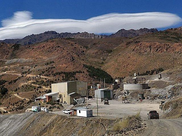 La mina de oro y plata de Andacollo otra vez entregada por migajas