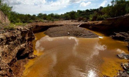 Minera First Majestic debe pagar daños a ejidatarios y una multa por derrame en mina de Ocampo
