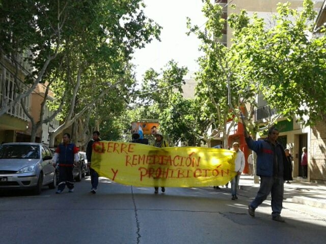 Llegaron caminando a San Juan los manifestantes de Jáchal pidiendo el cierre de Veladero y la prohibición de la minería