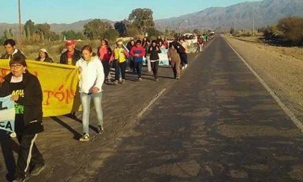 Partió caravana de 150 km a pie desde Jáchal a San Juan para exigir el cierre de Veladero y la prohibición de la megaminería