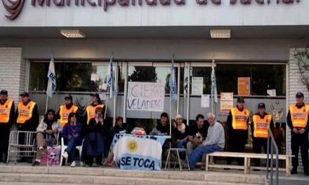 Por el derrame en Veladero hubo allanamientos en ministerios y un pedido de interpelación al ministro de ambiente