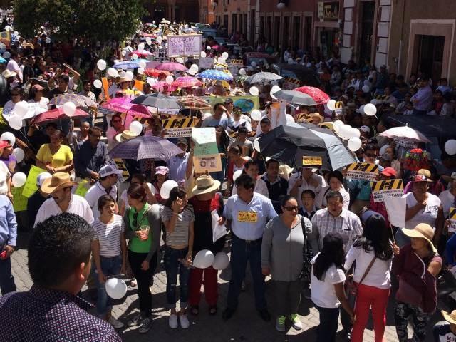 Marchan 2.000 personas contra fábrica de cianuro en San Luis de La Paz