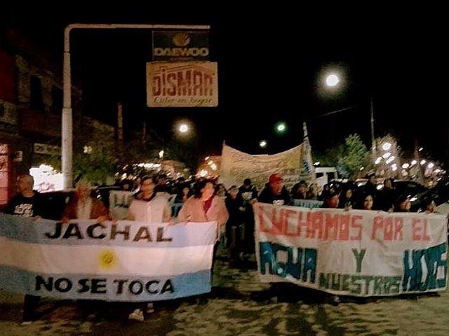 """""""Ni una piedra más"""", el grito en el aniversario del derrame de solución cianurada de mina Veladero"""