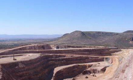 La mineras pagan millones por iniciar un ecocidio