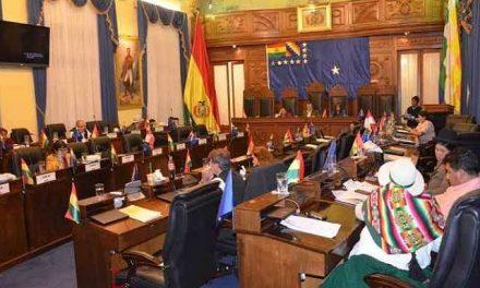 Parlamento boliviano aprueba ley para revertir concesiones mineras