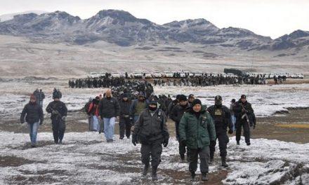 Policías peruanos reciben cien soles por día por convenio con las mineras en la región Cusco