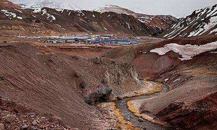 Denuncian al Estado argentino por violación a los derechos humanos y ambientales en la mina Veladero