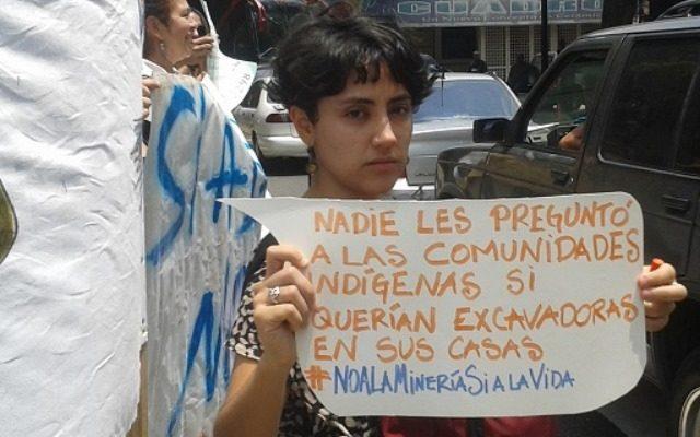 """Funcionarios de la """"minería ecológica"""" presionan a los pueblos indígenas para explorar sus territorios"""