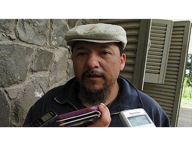Una minera y dirigentes peronistas denunciados por encerrar con alambrados a once familias mapuches