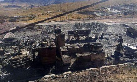 Pobladores queman campamento en protesta contra planta de lixiviación de minera Anabi