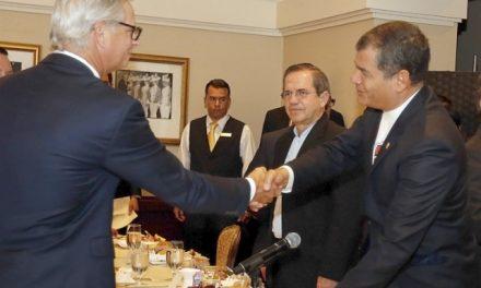 Grandes mineras negocian con prisa y entusiasmo su entrada a Ecuador