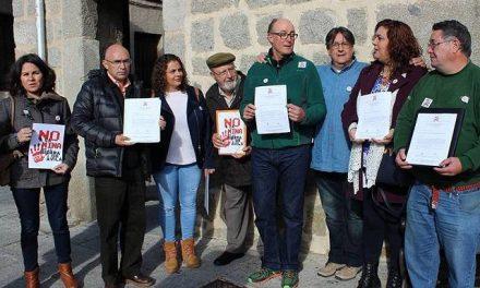 La Plataforma 'No a la mina en la Sierra de Ávila' acude a las Cortes de Castilla y León