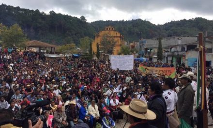 Peregrinación de vecinos de 11 minicipios de Chiapas contra la minería