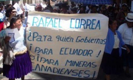Gobierno de Ecuador se sumerge en el barro del extractivismo y juega a la «minería responsable»