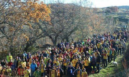 Más de 300 personas marchan contra la mina en Sierra de Ávila